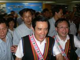 アミ族豊年祭2011:台東市の原住民族PRイベントに馬総統登場!