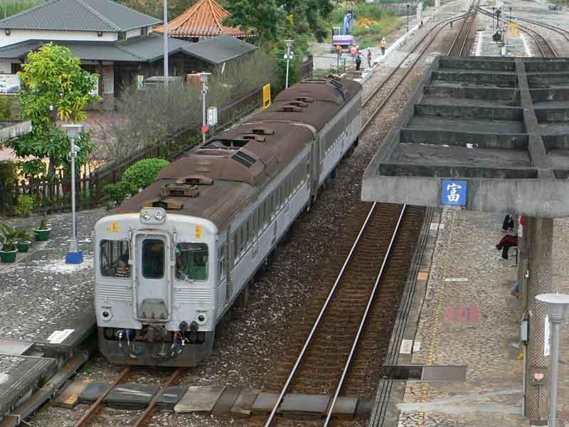 台湾鉄道:花蓮-瑞穂。1日わずか2本のレトロ鈍行列車旅。