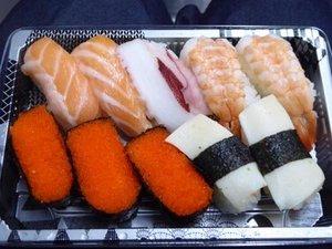 にぎり寿司パックを開けたところ