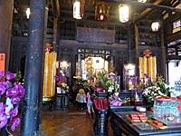 龍山寺の中