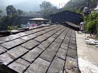 スレートを使った屋根材