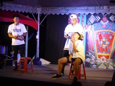 民族音楽と踊りのミュージカル