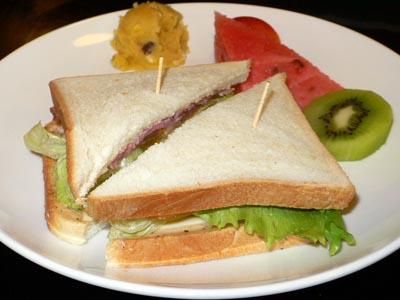 九イ分の民宿のサンドイッチ